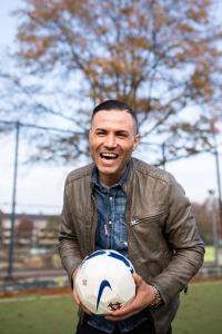 Cristiano-Ronaldo-lookalike-smiling-Nederland-CR7
